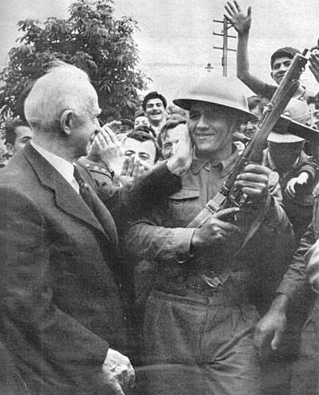 Hitler ve Mussolini Rejimlerine Olan Özenti