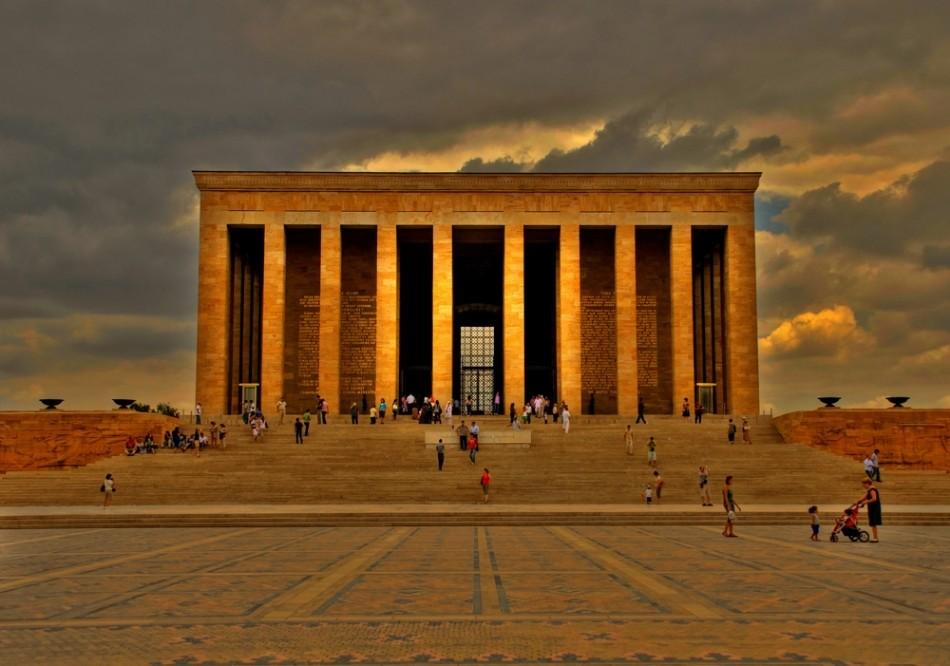 Türbeden Mozoleye Anıtkabir