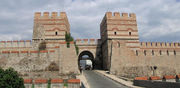 Türk'lerin İmar ve İhyâ Ettiği Şehirlerden Bir Şehir Olan 'Belgrat'