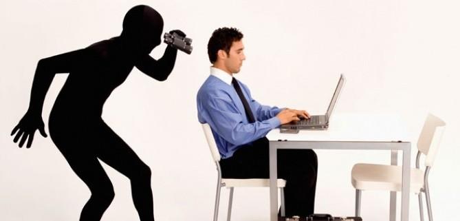 Hayatı İnternette Dolaşır Gibi Yaşıyoruz