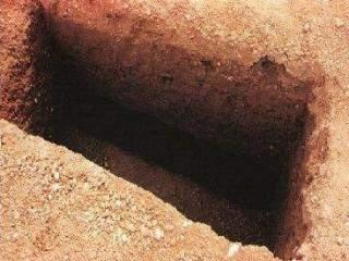 Ölülerin Dirilerin Sesini İşitmesi,Kuran'a Aykırı Mı ?