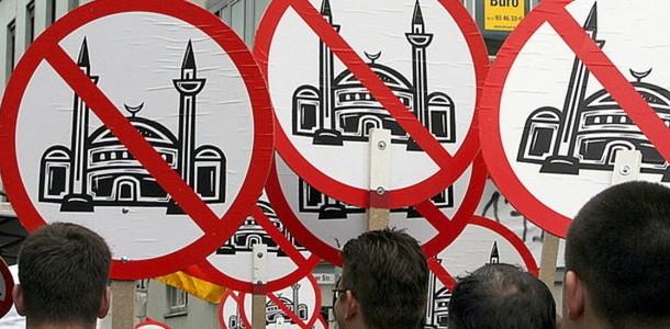 İslamofobi Çokkültürlülüğün Neresine Düşer?