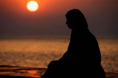fft5_mf679467 Kadınların,Uhrevi Hayatlarını Dünya Malı Uğruna Berbat Edecek Ortamlardan Uzak Durmaları Farzdır