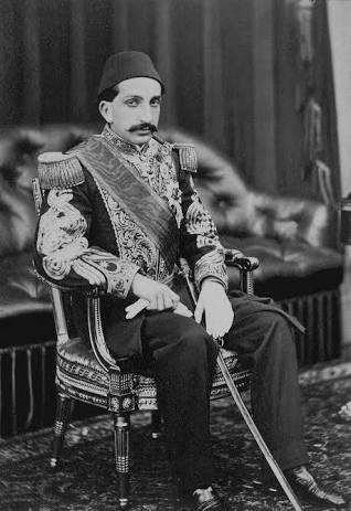 Vizyoner Sultan'la Geleceğe Dönüş