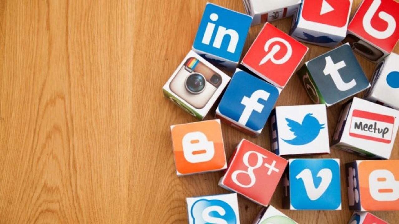 sosyal-medya-araclari-moblobi-1 Çağımızda Bir Hastalık: Takipçileri Artırma Çabası