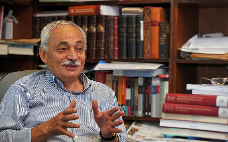 """""""Osmanlı'da Kitap Altından Değerliydi"""""""